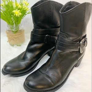 Nine West Span Leather Black Boots Size 6.5